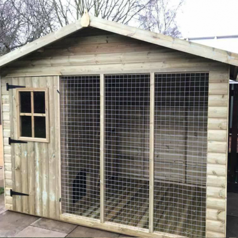 Deluxe Dog House & Run Loglap